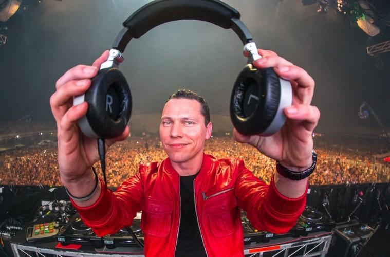tiesto-headphones-759x500